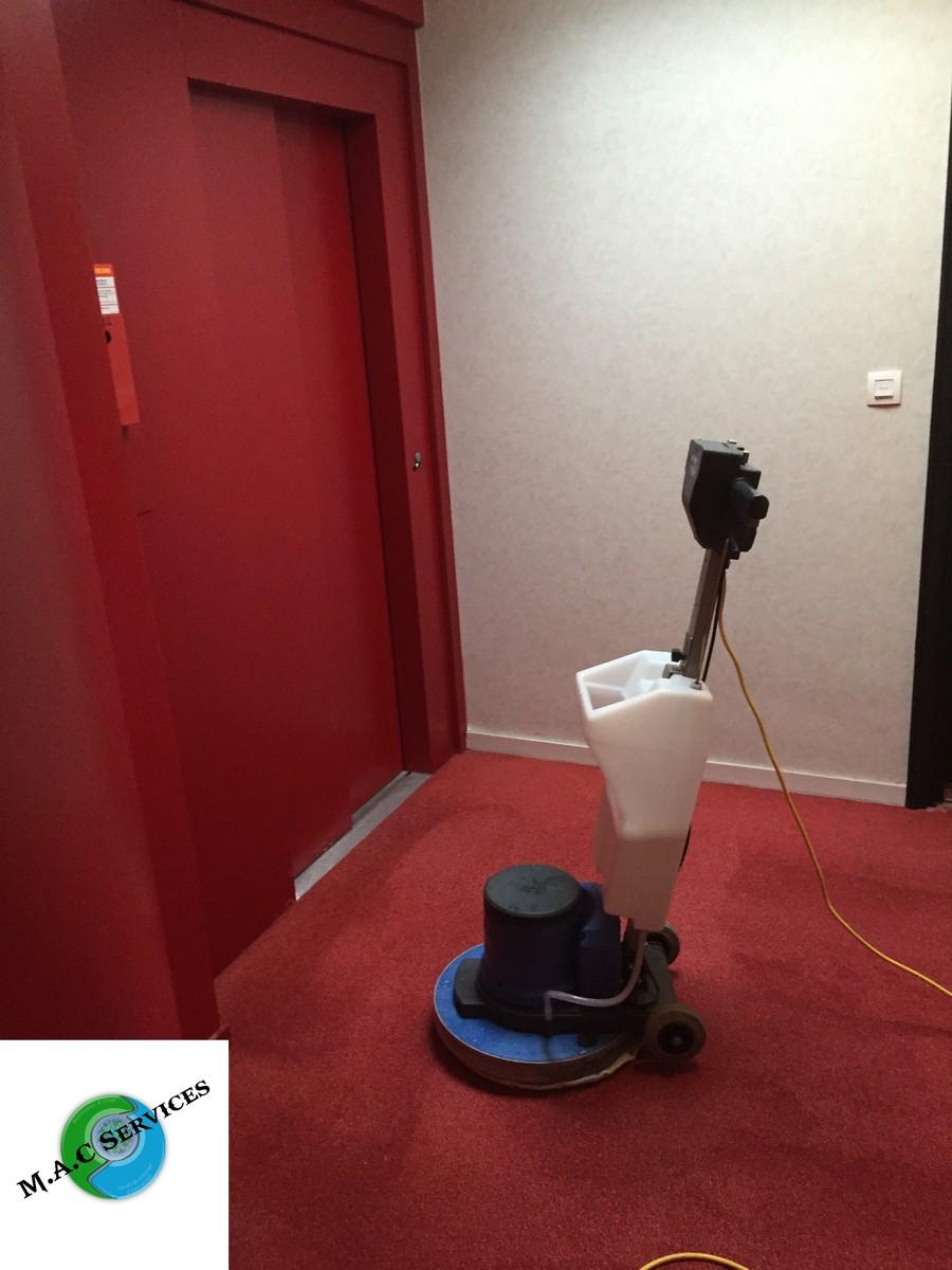 Septembre 2015 : M.A.C Services a effectué le shampouinage moquette de 8 immeubles