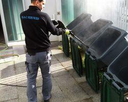 Nettoyage des poubelles par haute pression - saint etienne 42 - MAC SERVICES